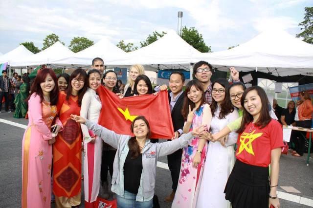 Ngoại giao tri thức và thế giới số: Vai trò của giáo dục đại học quốc tế là gì?
