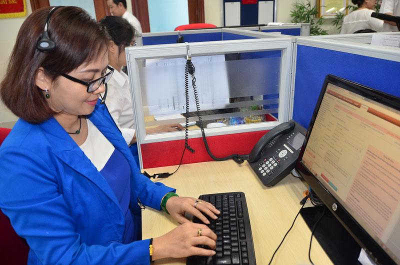 Tăng cường điện thoại viên để tiếp nhận, giải quyết kiến nghị của khách hàng