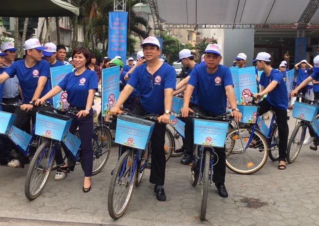 Hà Nội: Mít tinh hưởng ứng Ngày thế giới không thuốc lá