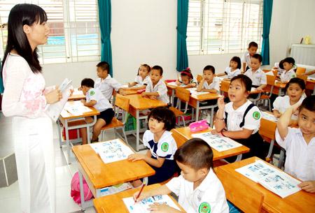 Trả lời chất vấn Đại biểu Quốc hội về tinh giản biên chế trong giáo dục