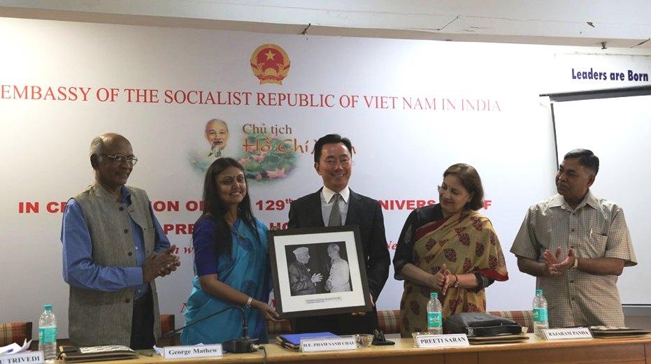 Nhiều hoạt động kỷ niệm 129 năm Ngày sinh Chủ tịch Hồ Chí Minh tại Ấn Độ