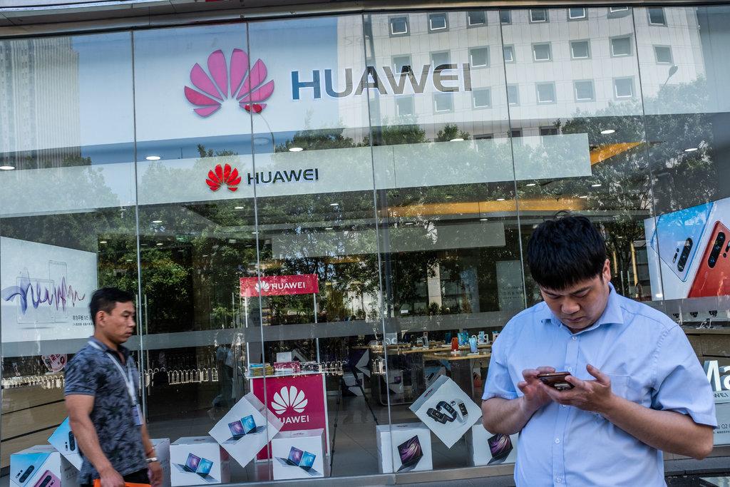 Thế giới tuần qua: Cuộc chiến Huawei và nguy cơ suy giảm tăng trưởng kinh tế toàn cầu