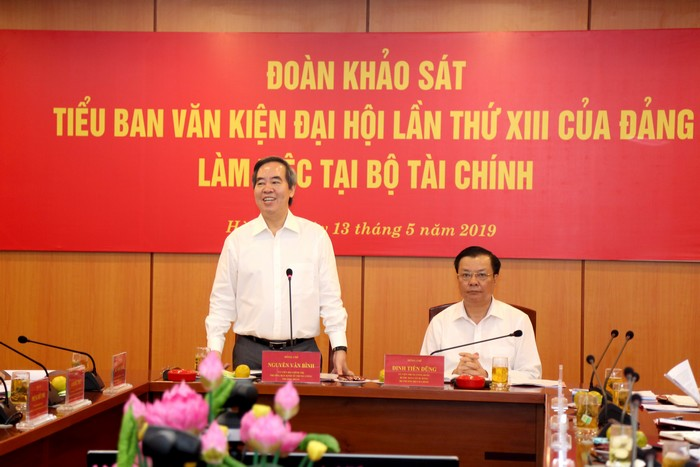 Đoàn Tiểu ban Văn kiện Đại hội XIII làm việc với Ban cán sự đảng Bộ Tài chính