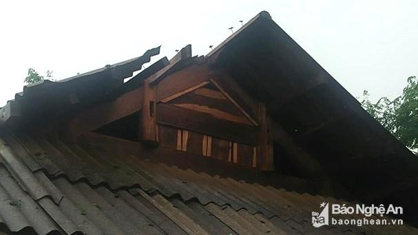 Mưa to gây nhiều thiệt hại tại một số tỉnh miền Trung