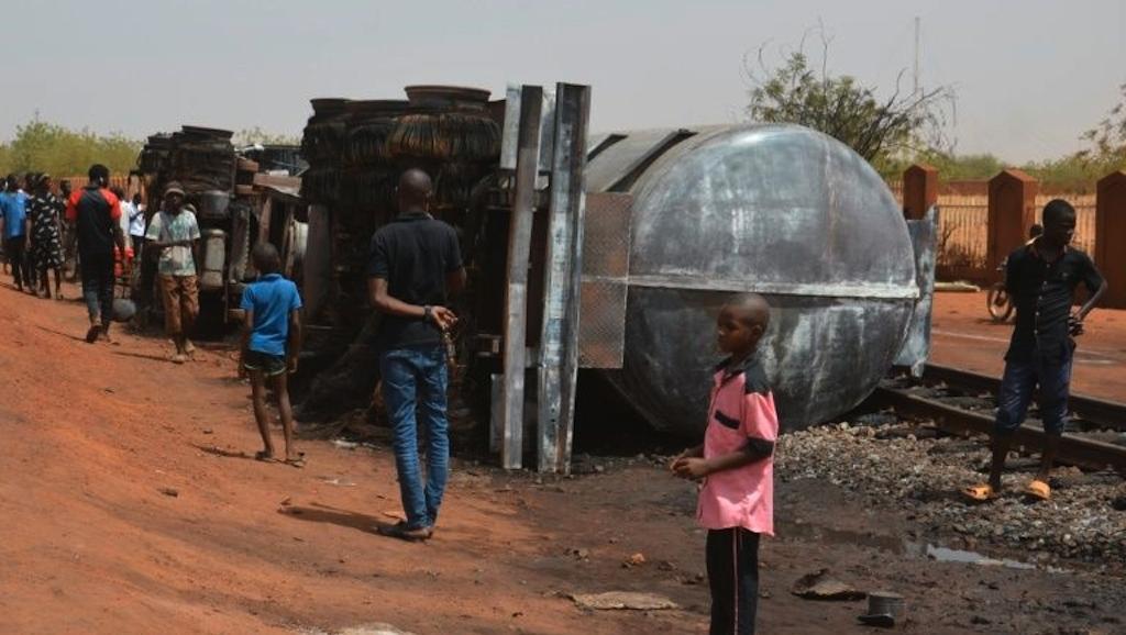Số người thiệt mạng tiếp tục tăng trong vụ nổ xe chở dầu ở Niger