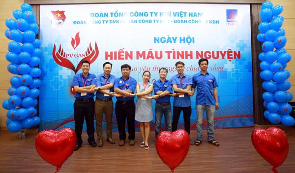 Đoàn thanh niên PV GAS cụm Bà Rịa - Vũng Tàu hưởng ứng phong trào Hiến máu Nhân đạo