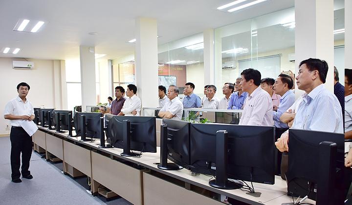 Thừa Thiên Huế đẩy mạnh ứng dụng, phát triển công nghệ thông tin