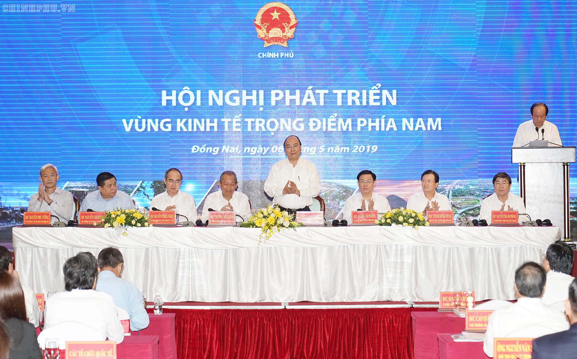 Thúc đẩy liên kết vùng, phát triển KT-XH và tạo thuận lợi nhất cho người dân