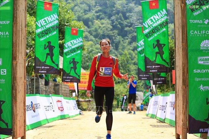 Gần 1.000 vận động viên tranh tài tại Giải Marathon băng rừng Việt Nam - Pù Luông 2019