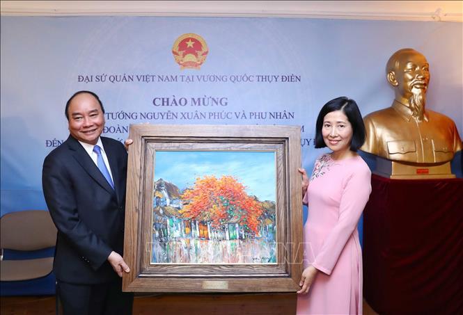 Thủ tướng gặp mặt cộng đồng người Việt Nam tại Thụy Điển