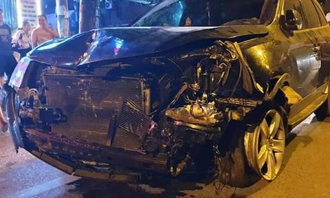 Xe ô tô Mercedes đâm liên tiếp 3 căn nhà, 1 người chết, 2 người bị thương