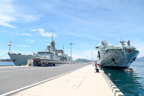 Tàu Hải quân Hoàng gia Canada cập Cảng quốc tế Cam Ranh thăm Việt Nam