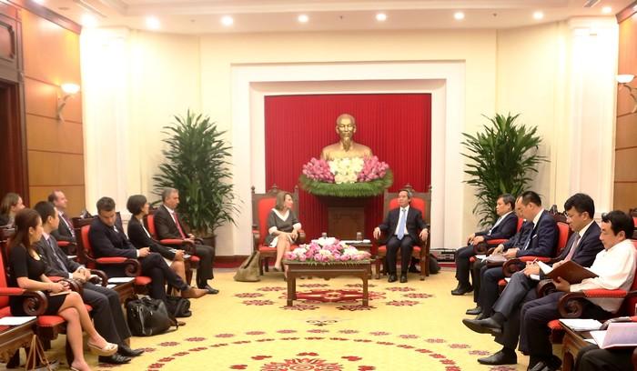 Phát triển thị trường năng lượng sạch, năng lượng tái tạo tại Việt Nam