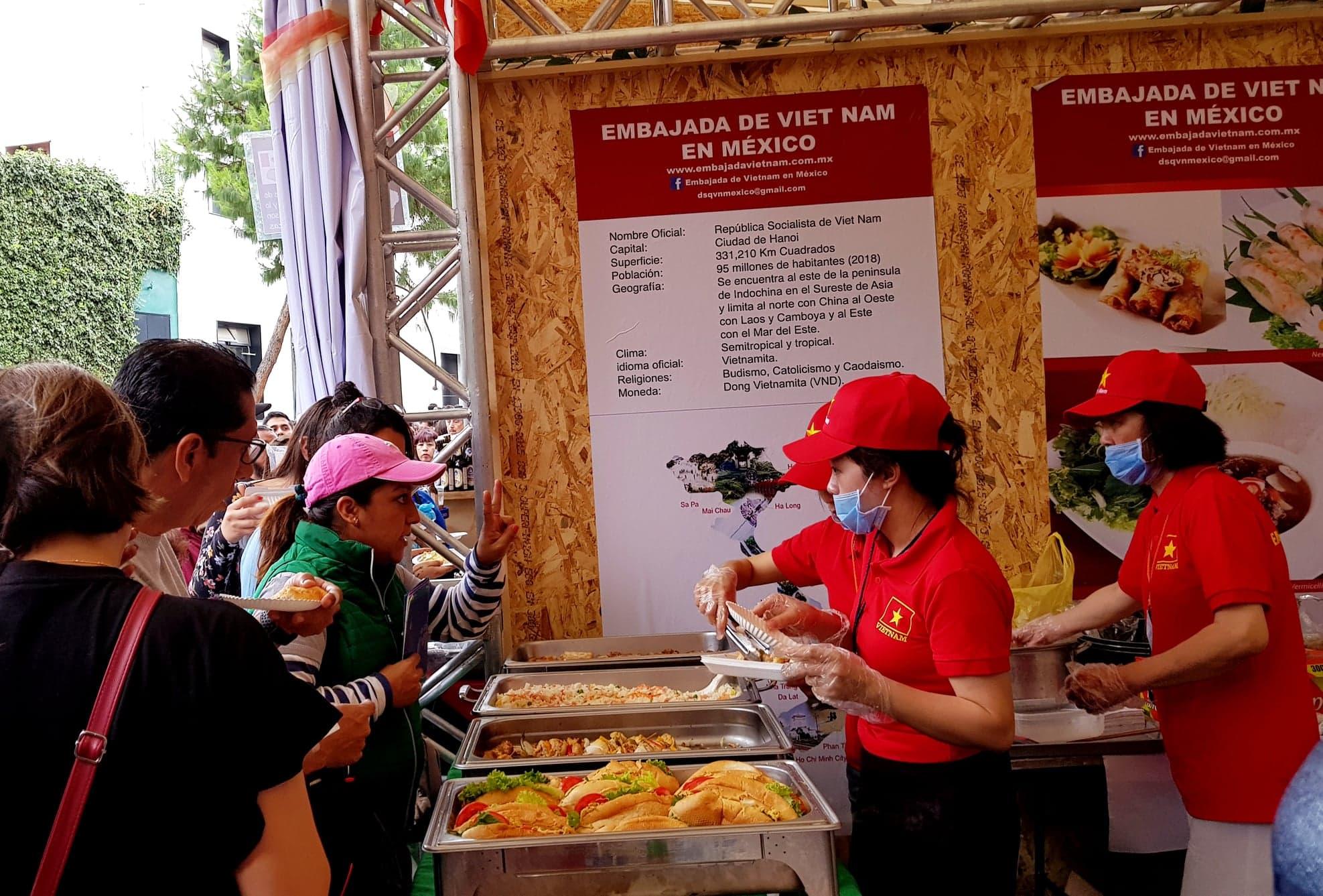Ấn tượng Việt Nam tại Hội chợ quốc tế các nền văn hóa bạn bè ở Mexico
