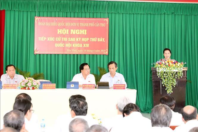 Chủ tịch Quốc hội tiếp xúc cử tri tại huyện Phong Điền, Cần Thơ
