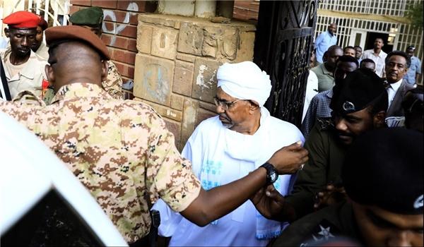Cựu Tổng thống Sudan lần đầu xuất hiện kể từ khi bị lật đổ
