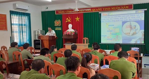 Tuyên truyền biển, đảo tới cán bộ, đảng viên Công an tỉnh Bình Thuận