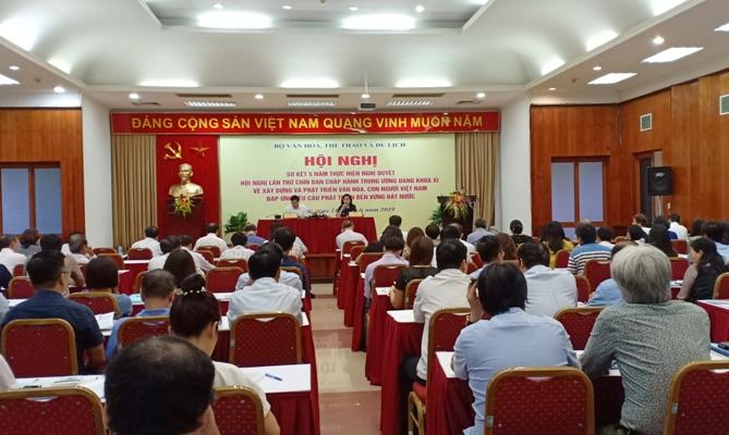 Tập trung nguồn lực đầu tư cho phát triển văn hóa, con người Việt Nam