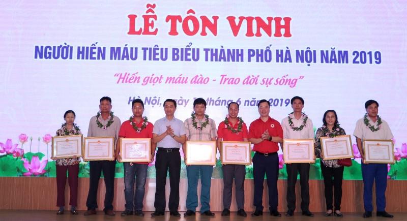 Tôn vinh Người hiến máu tiêu biểu Thủ đô 2019