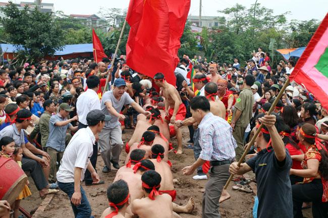 Bảo tồn và phát huy di sản kéo co ngồi ở Ngọc Trì, Hà Nội