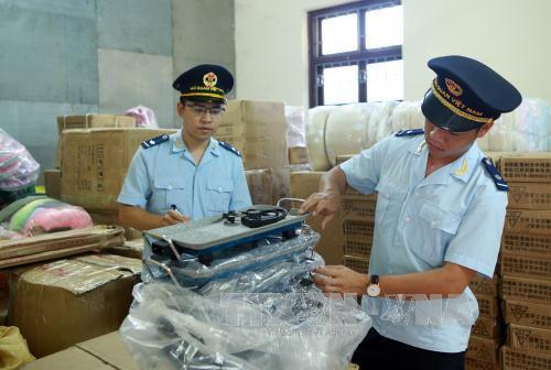 Đẩy mạnh công tác chống buôn lậu, gian lận thương mại