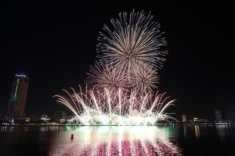 Đêm mở đầu khai mạc lễ hội pháo hoa Quốc tế Đà Nẵng