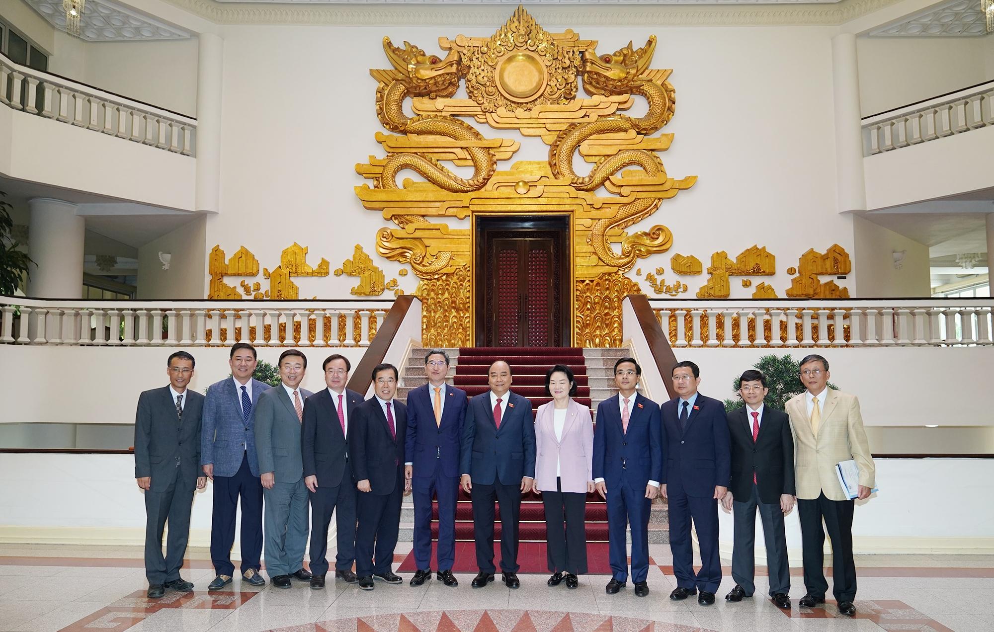 Việt Nam coi trọng thúc đẩy quan hệ hợp tác sâu rộng với Hàn Quốc