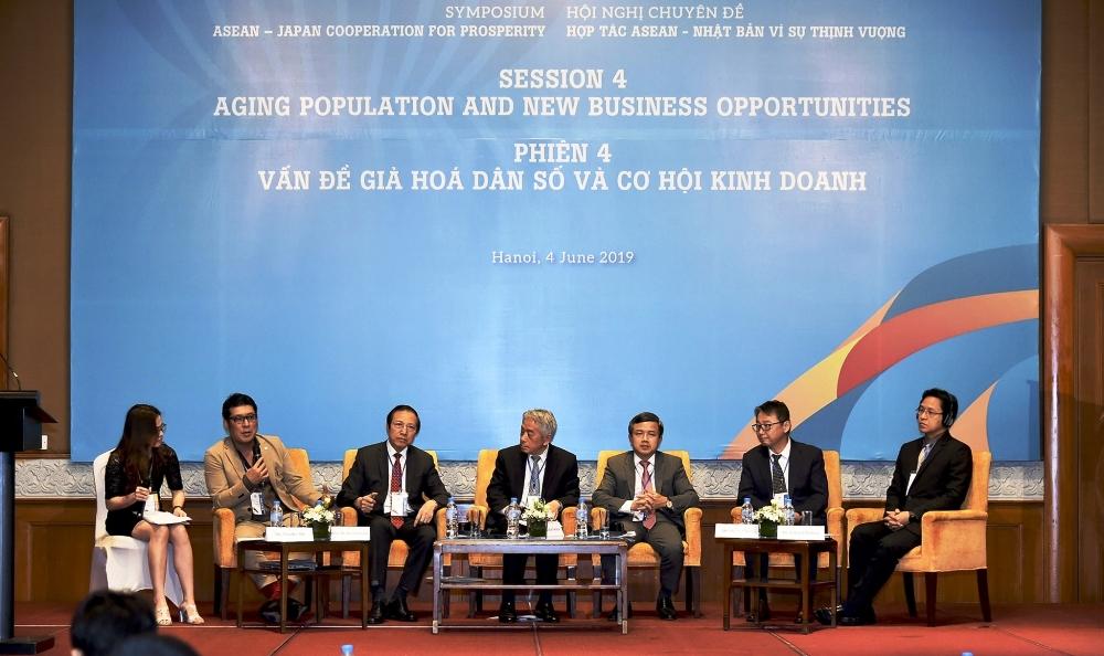 Vấn đề già hoá dân số và cơ hội kinh doanh