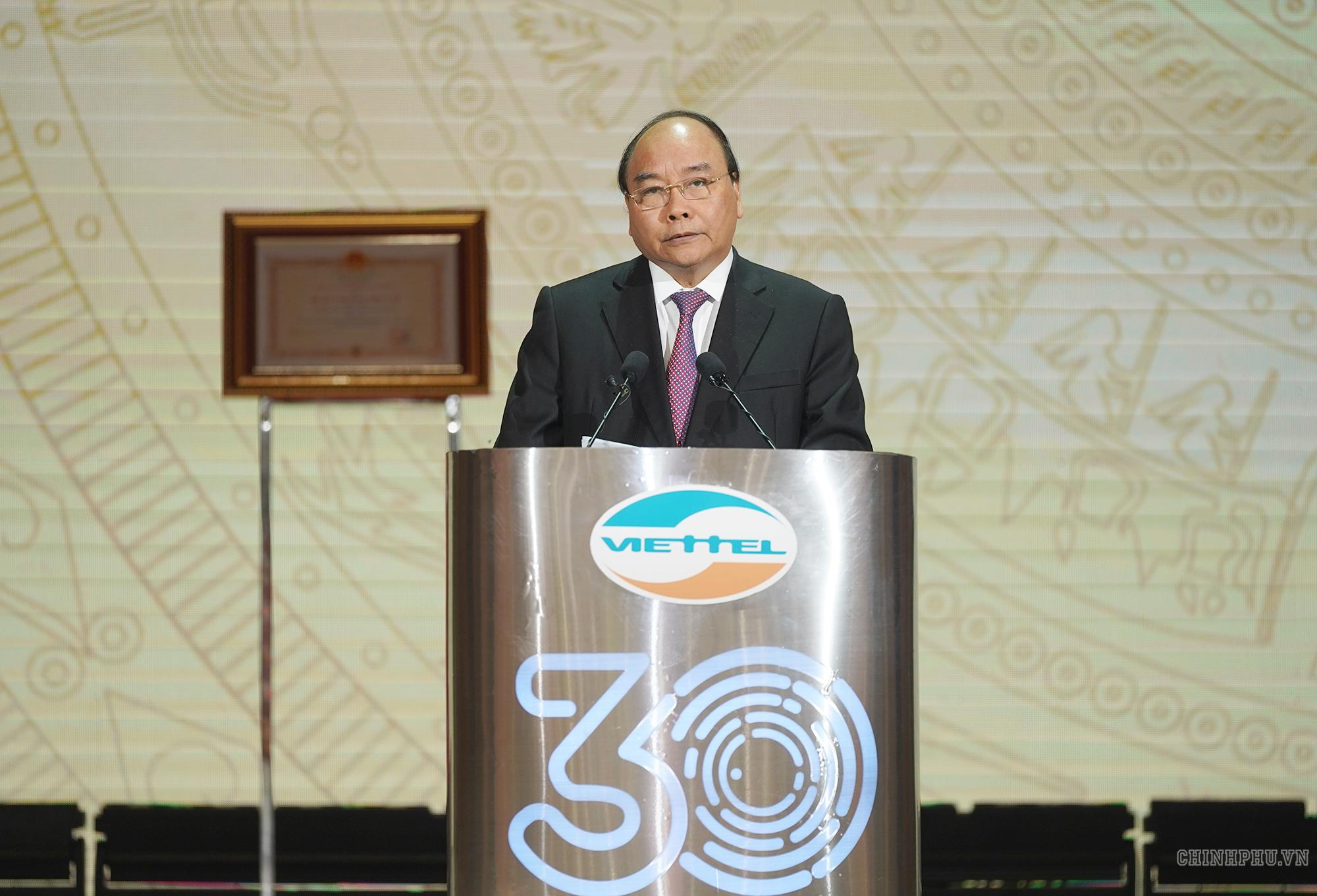 Viettel cần phấn đấu trở thành tập đoàn mạnh tầm khu vực và thế giới