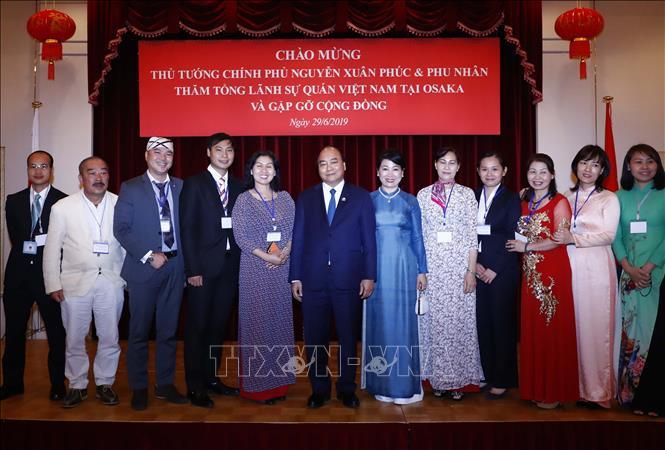 Thủ tướng thăm kiều bào Việt Nam tại Osaka (Nhật Bản)