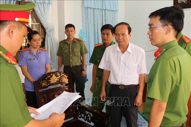 Trà Vinh: Bắt tạm giam 5 cán bộ vi phạm quy định về quản lý tài sản Nhà nước