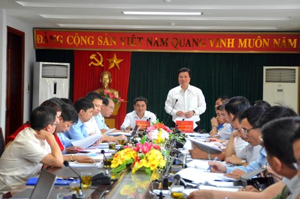 Thứ trưởng Bộ GD&ĐT kiểm tra công tác chuẩn bị thi THPT tại Điện Biên
