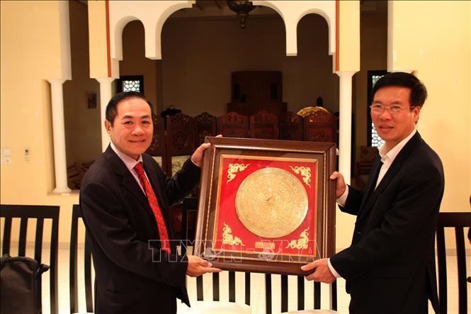 Đồng chí Võ Văn Thưởng thăm Đại sứ quán Việt Nam tại Maroc