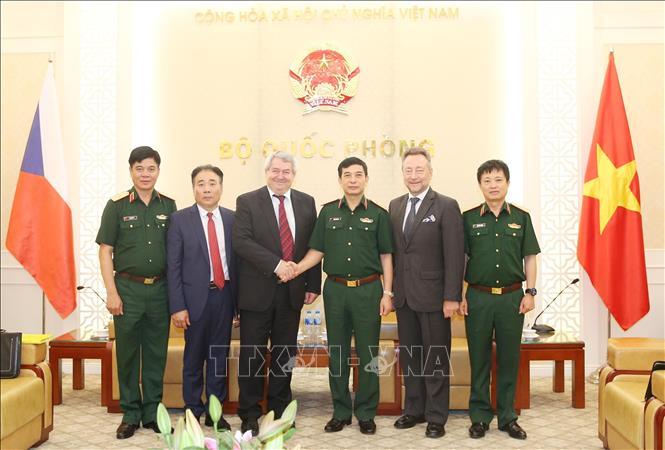 Tăng cường hợp tác quốc phòng Việt Nam - Cộng hòa Séc
