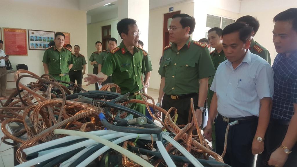 Nam Định: Tuyên dương chiến công bắt giữ thủ phạm trộm cắp