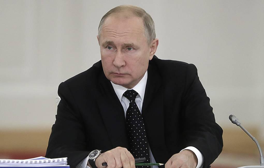 Tổng thống Nga ký ban hành luật đình chỉ INF
