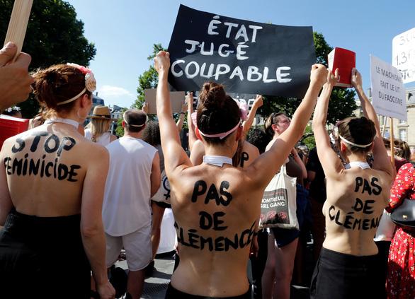 Pháp Tuần hành kêu gọi chống bạo lực gia đình và giết hại phụ nữ
