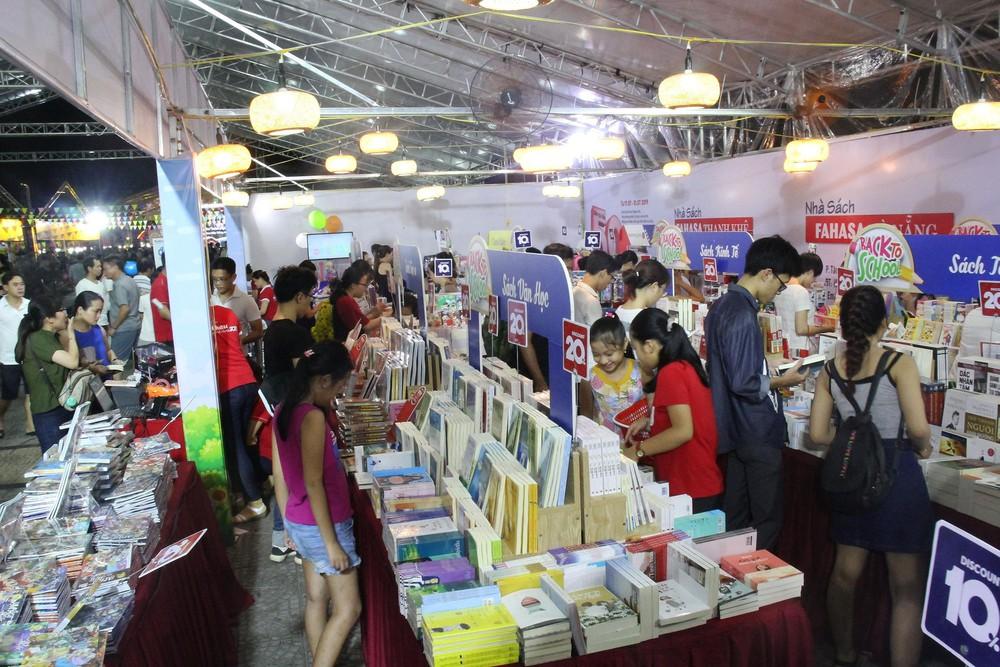 55 gian hàng tham gia Hội sách Sơn Trà 2019