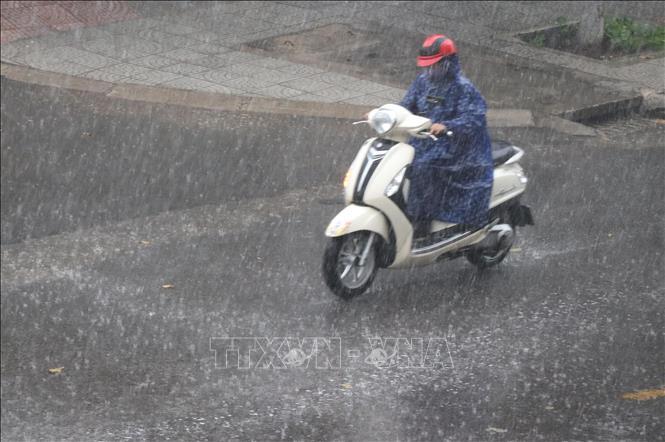 Cảnh báo mưa dông, lốc, sét, mưa đá ở Bắc Bộ