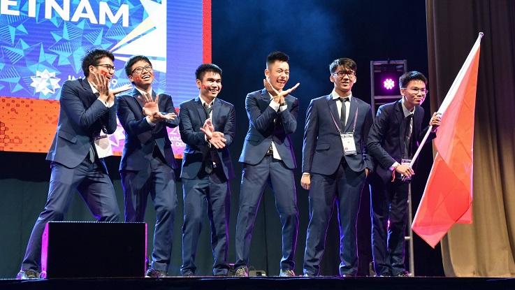Việt Nam đoạt 2 Huy chương vàng Olympic Toán quốc tế