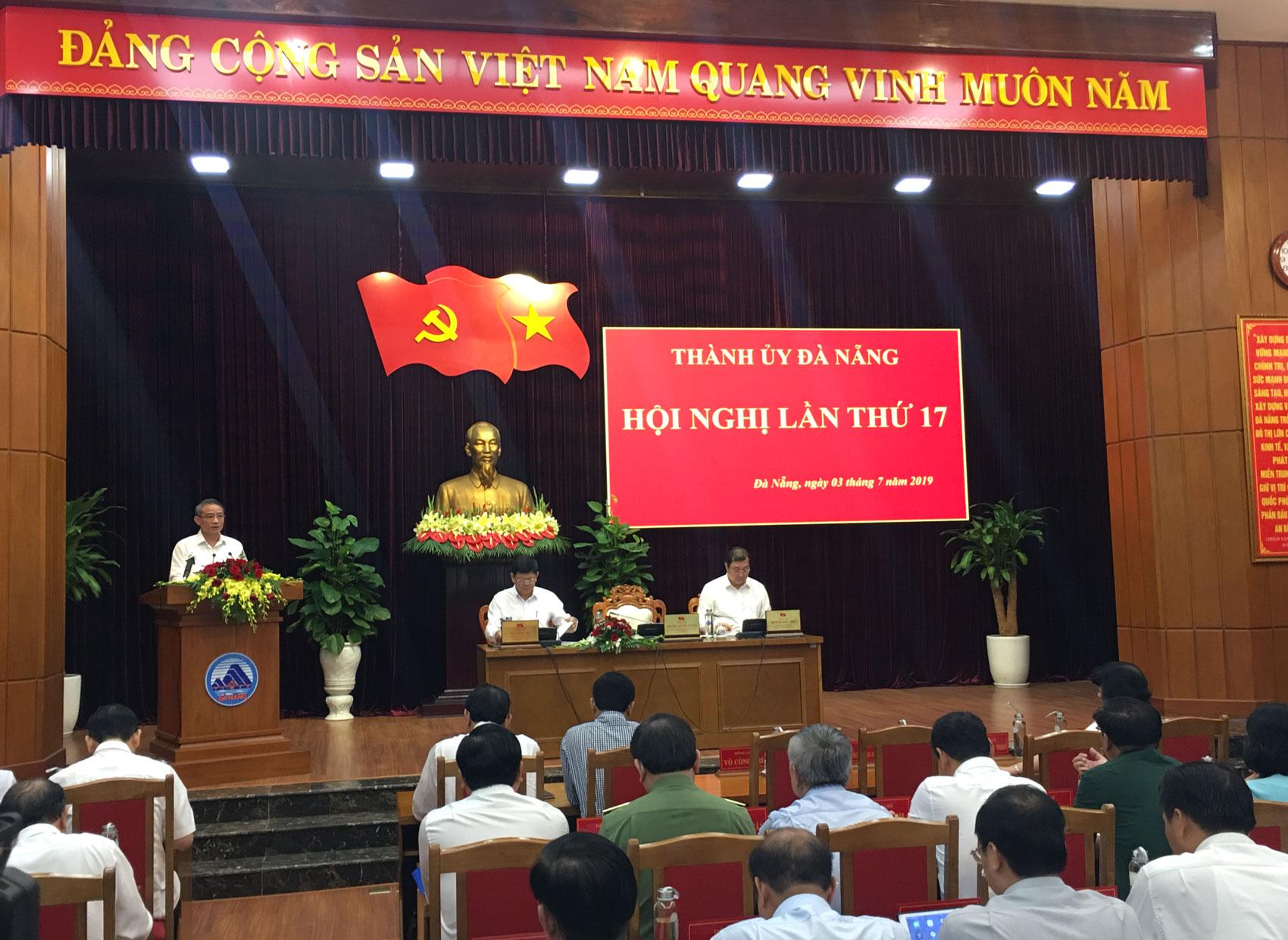 Đà Nẵng tập trung công tác nhân sự chuẩn bị đại hội Đảng bộ các cấp