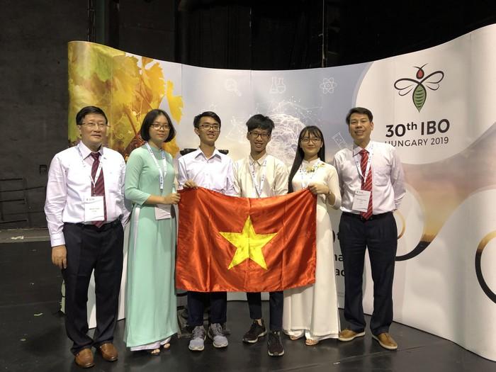 4/4 thí sinh tham dự Olympic Sinh học quốc tế 2019 đều đoạt huy chương
