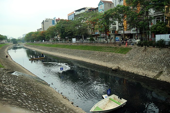 Phản hồi việc xả nước hồ Tây ảnh hưởng đến kết quả thử nghiệm xử lý ô nhiễm tại sông Tô Lịch