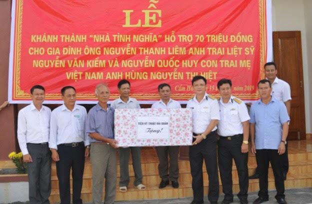 """Chương trình """"Xuân Trường Sa"""" hỗ trợ xây dựng nhà tình nghĩa tại Hà Tĩnh"""