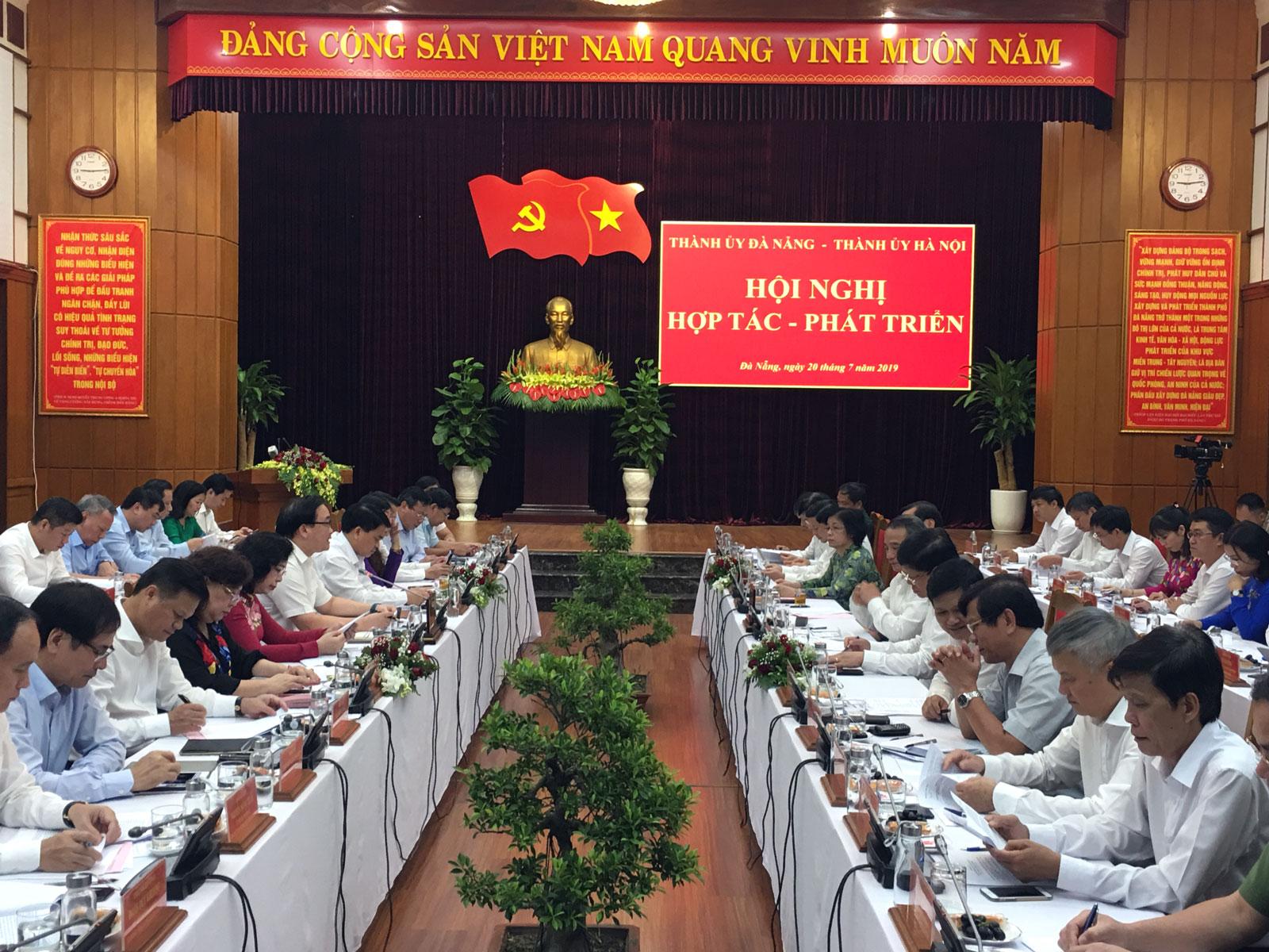 Hà Nội và Đà Nẵng thúc đẩy hợp tác, phát triển