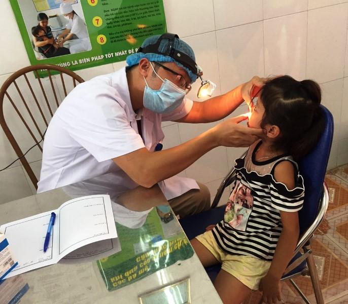 1.400 người dân tộc thiểu số có hoàn cảnh khó khăn được khám bệnh, phát thuốc miễn phí