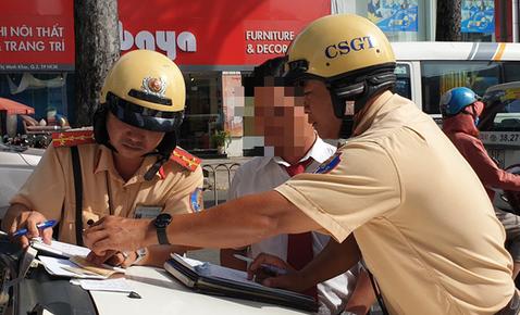 TP .Hồ Chí Minh: Hơn 700 người bị lập biên bản vi phạm giao thông trong ngày đầu tổng kiểm tra
