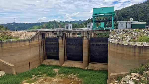 Hạn hán khốc liệt, thủy điện thiếu nước nghiêm trọng