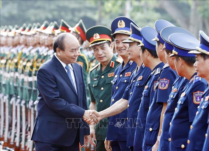 Thủ tướng làm việc với Bộ Tư lệnh Cảnh sát biển Việt Nam  