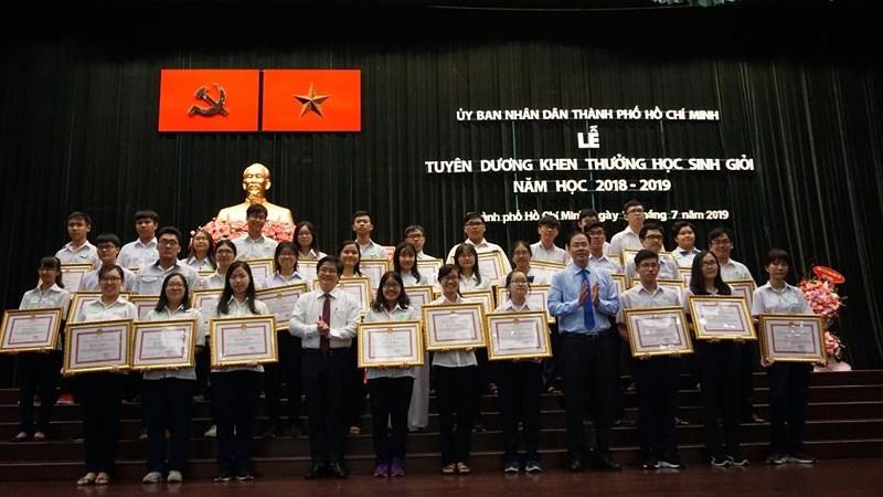 TP. Hồ Chí Minh: Tuyên dương 618 học sinh giỏi tiêu biểu